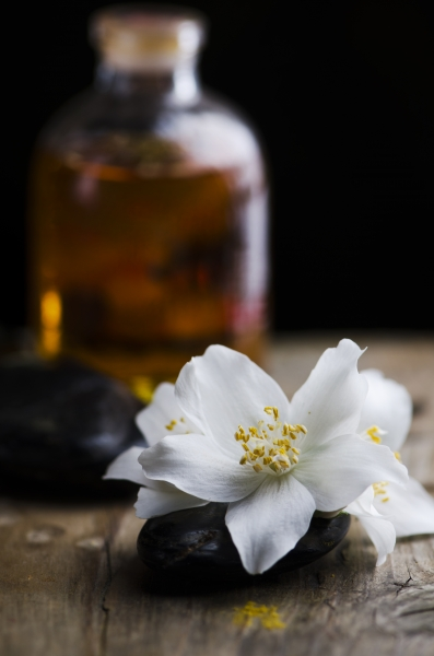 Jasmine aromatic oil