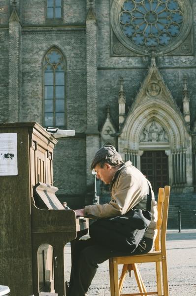 Public piano in Prague